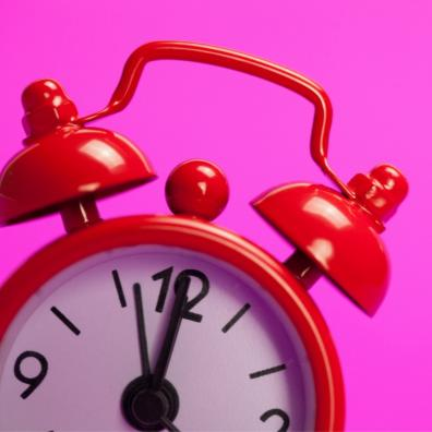 picture of an alarm clock showing a deadline