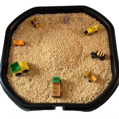 Picture of an edible tuff tray activity